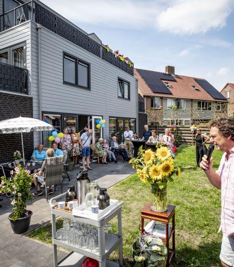 De Amanshoeve in Oldenzaal is nu officieel geopend:  'Streven ernaar één grote familie te worden'