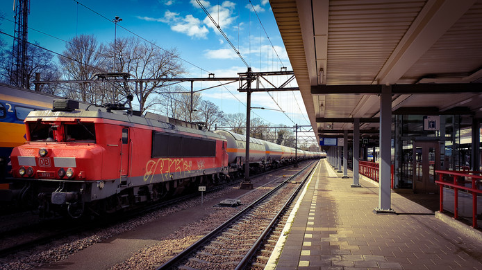 Door werkzaamheden aan de Betuweroute rijden er steeds vaker treinen met gevaarlijke stoffen door het station van Dordrecht.