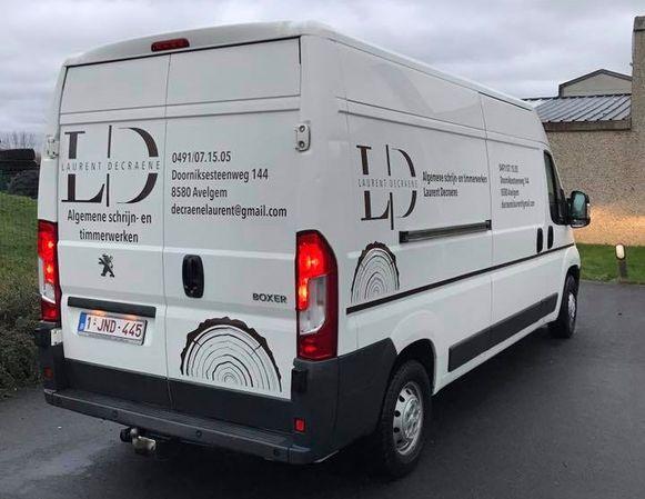 De achterdeur van de bestelwagen van schrijnwerker Laurent Decraene werd geforceerd.