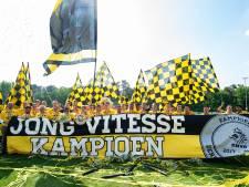 Het jubelweekend van Joseph Oosting van Vitesse: 'De triple, jongen'
