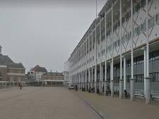 Beeldschermen voor toeristen in stadhuis Apeldoorn