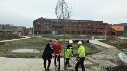 Eerste bomen geplant in Donzapark
