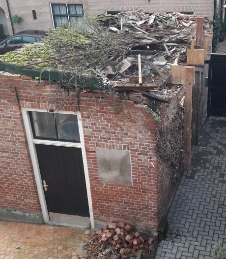 Na instorten van het dak op een schuur blijft voor buren in Delden de vraag: wat als....?