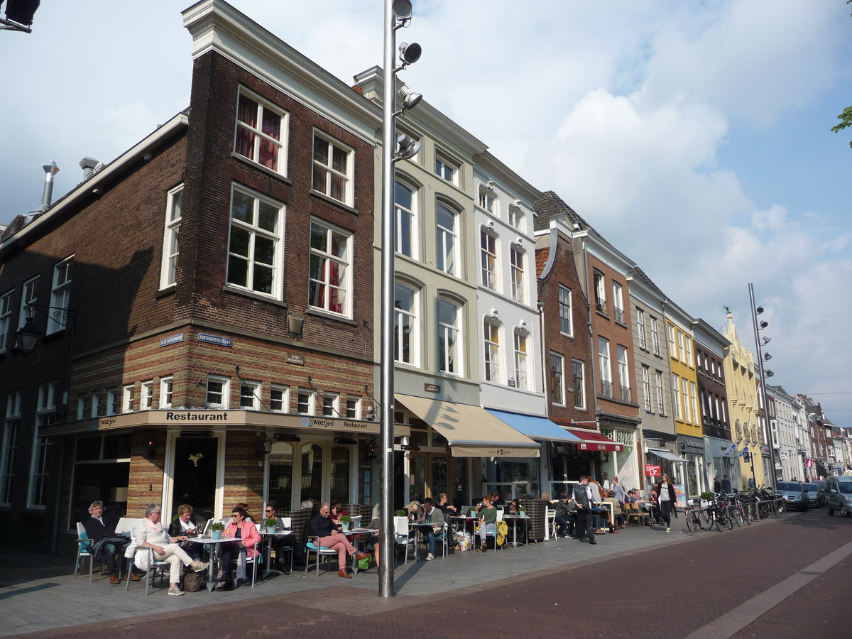 Terrassen op de Hinthamerstraat