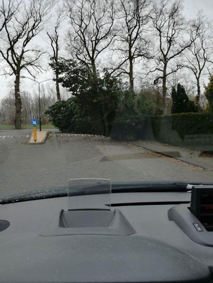 En ook op de hoek van de Oirschotseweg en de Stappert in Moergestel was het raak.