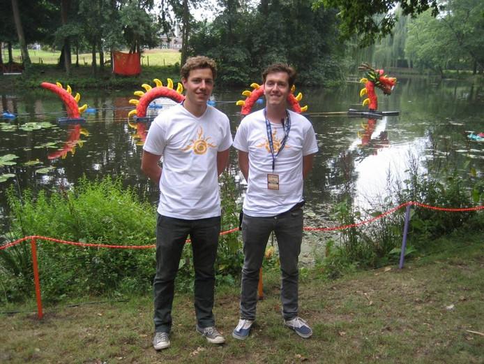 Daan van Elk (links) en Ron van de Water van de organisatie van SunGrooves.