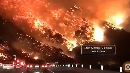Highway to hell: dashcamvideo toont inferno langs snelweg in Los Angeles