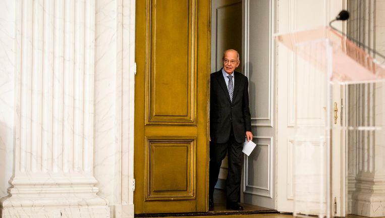 Gerrit Zalm staat de pers te woord vlak voor de vakantie van de onderhandelaars op 19 juli. Beeld anp