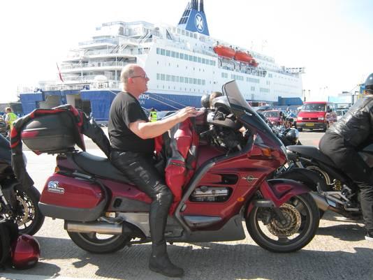 Motorrijder Hans van de Braak kreeg drie ongevallen met de motor.