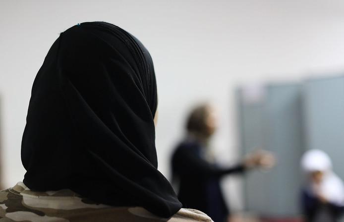 Zodra het over de islam gaat, blijkt een feitelijke en inhoudelijke discussie nauwelijks mogelijk, stelt dr. Marieke de Hoon.