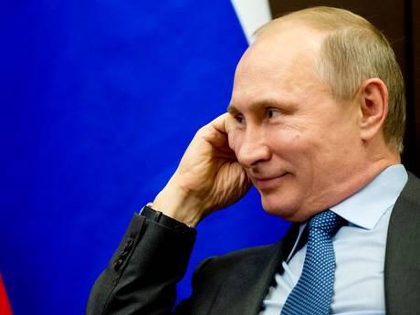 Poetin wint verkiezingen Rusland ruim: nog zes jaar president