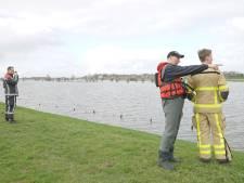 Brandweer zoekt op IJssel bij Deventer naar omgeslagen roeiers die nergens last van hadden