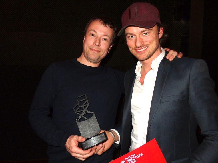 Willem Gerritsen (r) won de categorie reclame met de NS-commercial 'Jongetje'. Naast hem producent Willem Bos (Czar). 'Ze noemen ons de Willems. Altijd verwarring' Beeld -