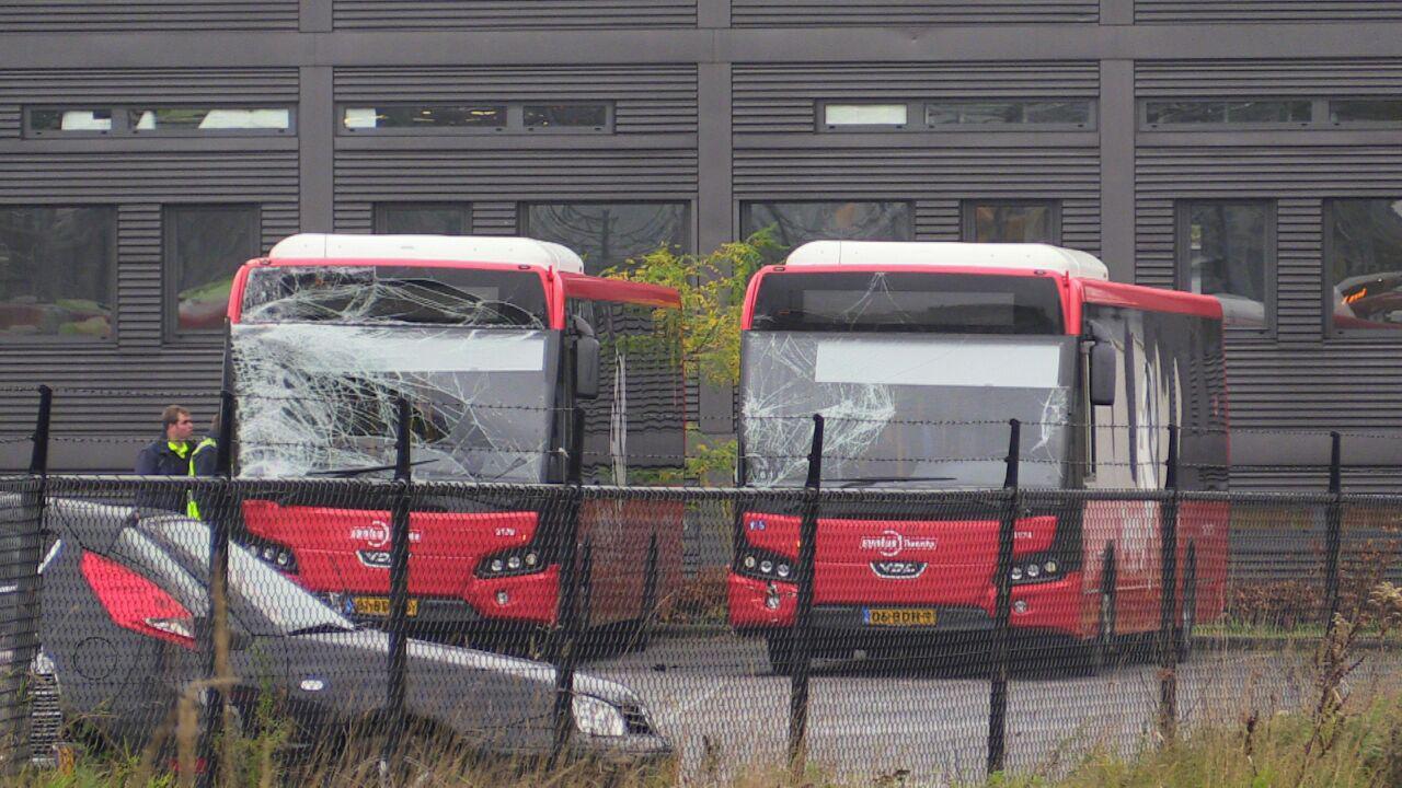 De beschadigde bussen