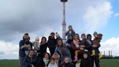 Tien vrienden pakken uit met 'Radar Love': Samen zomer inzetten in schaduw van radartoren