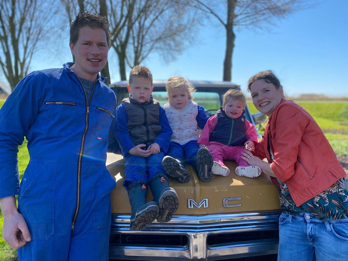 Boer Henk met zijn vrouw Fiona en hun drie kinderen Owen, Jolene en Lizzy.