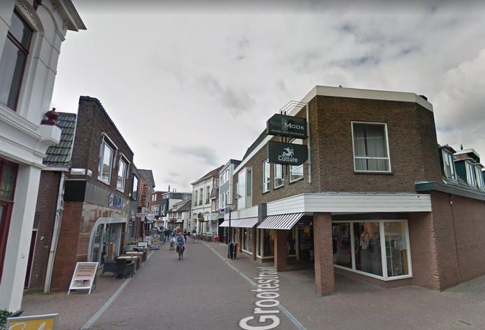 Het oude pand van Van Mook Mode in de Grootestraat.