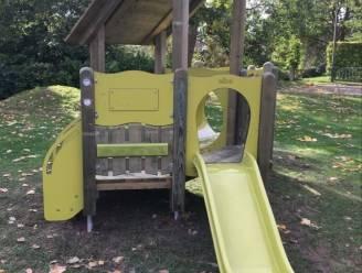 Nieuw speeltuig voor kleuters op speelterrein in Kontich-Kazerne