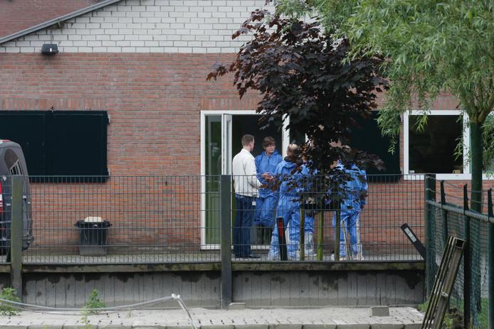 Opnieuw inval bij omstreden puppyhandelaren in Hapert