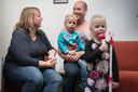 Roel en Anita Dirkx met hun twee kinderen Jibbe en Ninte.