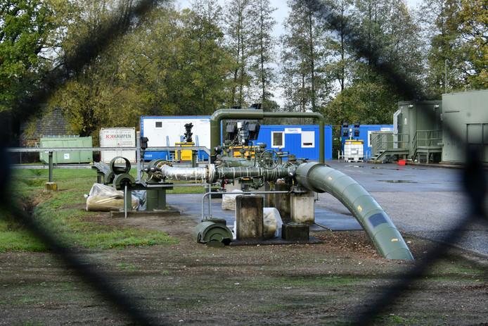 Bij de injectielocatie in Rossum staan momenteel tal van containers ten behoeve van werkzaamheden, waarbij een corrosiewerende coating wordt aangebracht op onderdelen van de installatie.