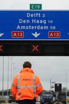 Automobilisten negeren rode kruizen op afgesloten rijstrook A13