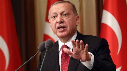 Turkse munt gaat door stof, wat is er aan de hand?