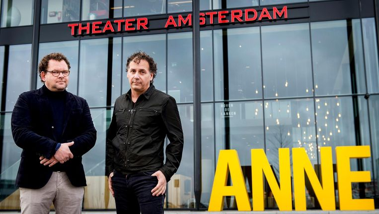 Tv-ondernemer Kees Abrahams (L) en theaterproducent Robin de Levita. Beeld ANP Kippa