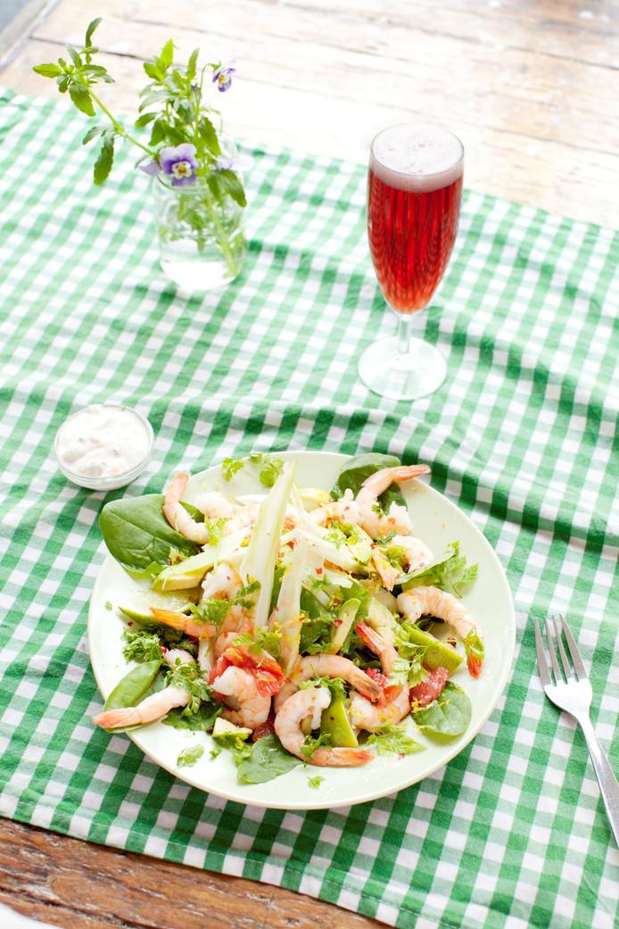 Zomerse salade, heerlijk met een rosébiertje.