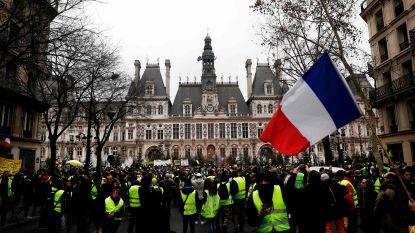 34 personen opgepakt bij achtste actiedag 'gele hesjes' in Parijs