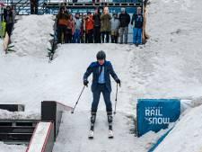 Bart De Wever ouvre le championnat de snowboard freestyle à ski (et en costume)