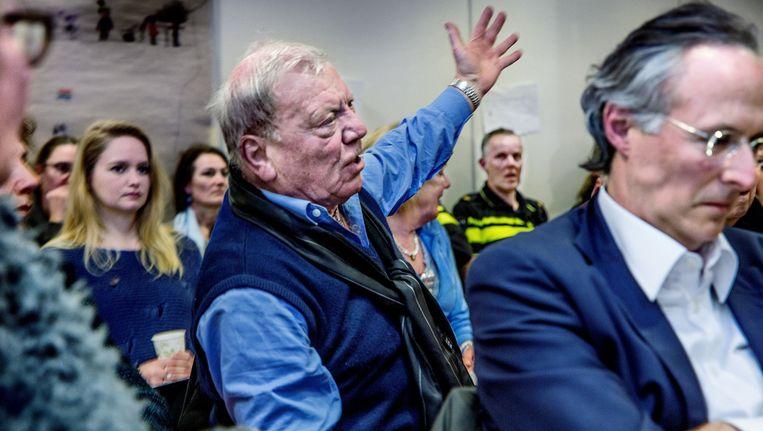 Teleurgestelde bewoners bij de bijeenkomst Beeld Het Parool/ Jean-Pierre Jans