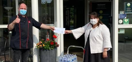Plastic flesjes water van Winterswijkse wethouder vallen verkeerd: 'Gemiste kans'