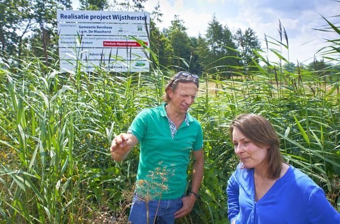 Ton van Beurden en Esther Rutten zijn verantwoordelijk voor het wijstherstelproject van Bernheze.
