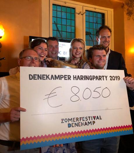 Haringparty's Oldenzaal en Dinkelland leveren 22 en 8 mille op voor goed doel