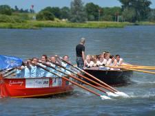Sloeproei-derby in Culemborg: welke school gaat winnen?