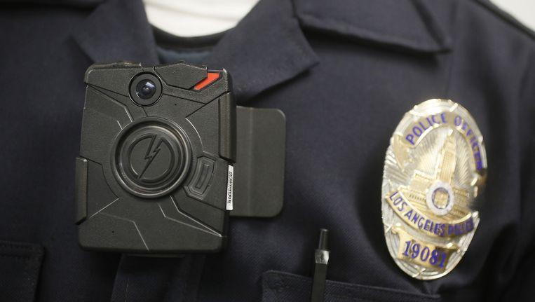 Een politieagent in Los Angeles met 'bodycam' tijdens een demonstratie eerder dit jaar.