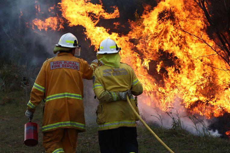 Brandweermannen aan het werk in New South Wales.