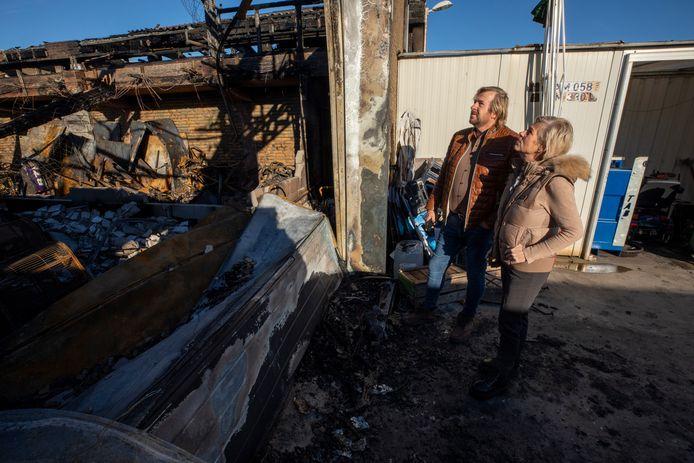 De kringloopwinkel aan de Zekkenweg brandde vorige week volledig af.