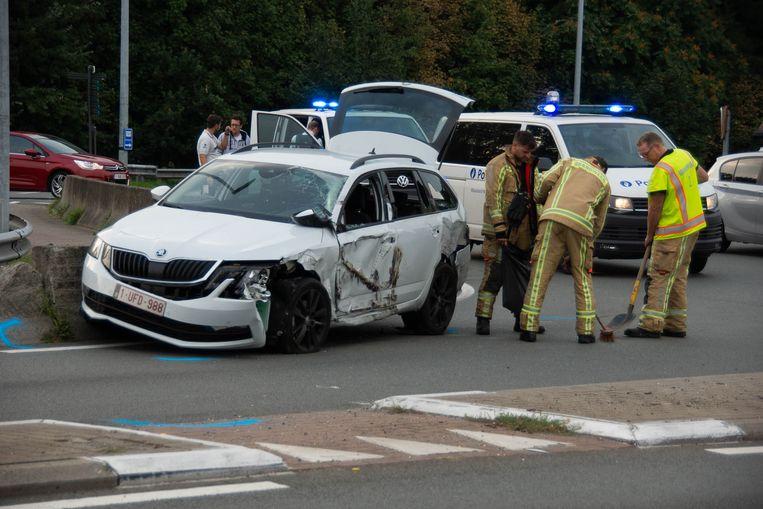Auto botst met truck op rotonde De Tromp | Stekene | Regio | HLN