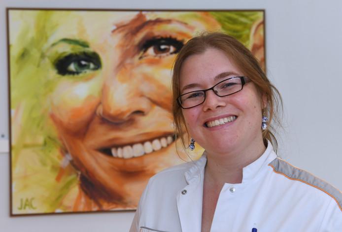 De Woerdense Anouk Steur (34) is kinderoncoloog in opleiding in het Prinses Máxima Centrum in Utrecht, dat is gespecialiseerd in kinderkanker.