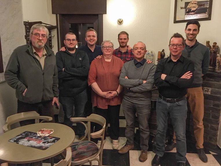 Het nieuwe bestuur van Vlaams Belang Roosdaal met Vlaams parlementslid Klaas Slootmans.