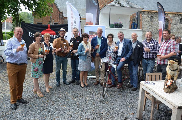 Plan Bier werd gisteren voorgesteld door de Wase Brouwers en Toerisme Waasland op het dorpsplein van Daknam.