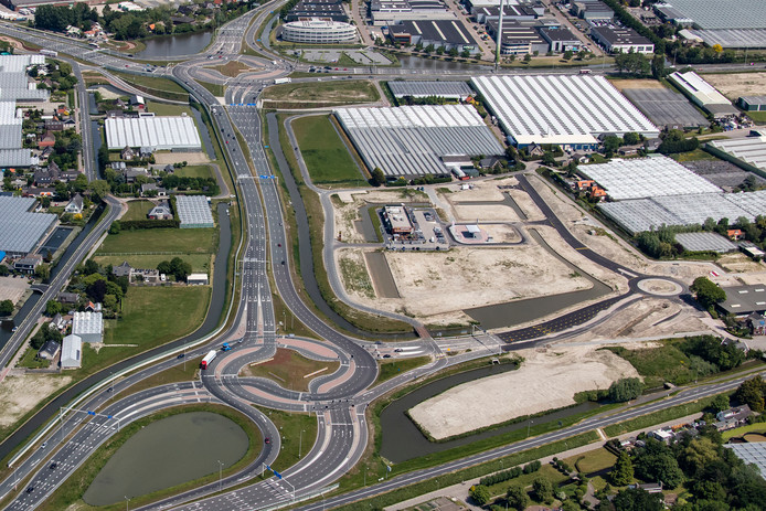 Luchtfoto van het bedrijventerrein Honderdland.