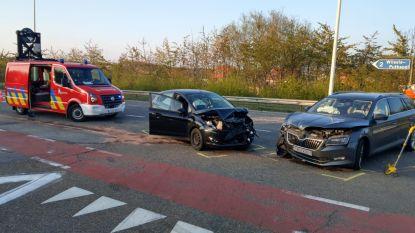 Chauffeur slechts lichtgewond na frontale botsing