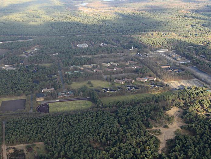 De voormalige legerplaats, nu azc, in Budel.