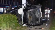 Vrouw (27) uit Blankenberge in levensgevaar na zware crash: wagen vliegt tegen verlichtingspaal in Zeebrugge