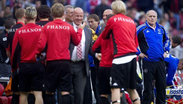 Ajax-coach Martin Jol (R) na afloop van de wedstrijd. Foto ANP Beeld