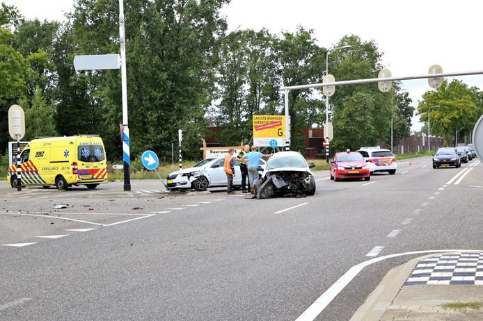 Ravage op de weg in Hapert na het ongeval.