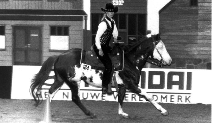 Larissa Dumont op haar paard Jetalito Jetset.